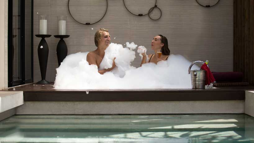 bubble bath berry amour villas