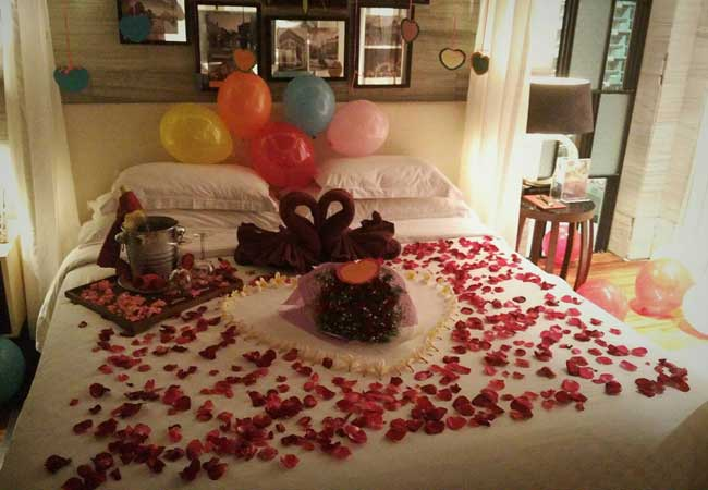 Romantic-Birthday-Decoration