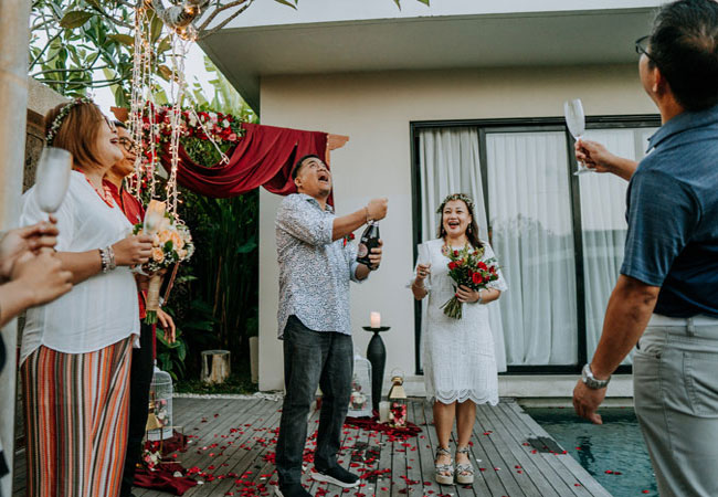 Vow-Renewal-with-Champagne-Celebration